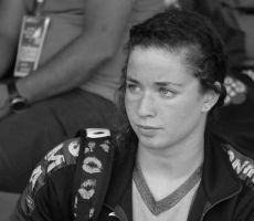 وفاة سباحة جزائرية عن 17 عاماً إثر أزمة قلبية خلال التدريبات