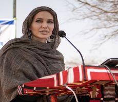 أنجيلينا جولي تقدم الدعم للاجئين في بوركينا فاسو