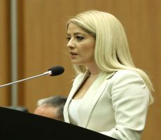 لأول مرة امرأة تترأس برلمان قبرص