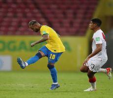 البرازيل تفوز 2-صفر على بيرو في تصفيات المونديال