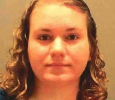 سجن معلّمة اغتصبت تلميذها القاصر لثلاث سنوات
