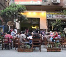 مقاهي القاهرة – منابر سياسية ومدارس أدب.... تميم منصور
