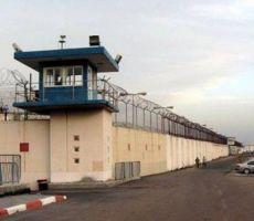 إصابة 12 أسيراً بفيروس كورونا في معتقل 'عوفر' وإغلاق قسم '21'