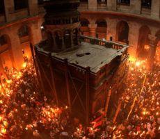 الكنائس الشرقية تحيي 'الجمعة العظيمة' وتحتفل اليوم بـ 'سبت النور'