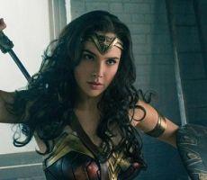 كيف تؤثر المرأة الخارقة في الأفلام السينمائية في الشابات؟