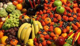 دراسة تكشف ماذا تفعل الخضراوات والفاكهة بصحة العقل