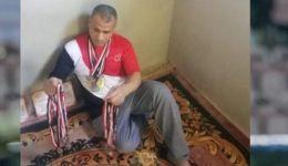 بطل مصري يعرض 46 ميدالية للبيع