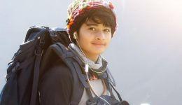 هندية عمرها 16 عاماً تتسلق أعلى جبل في العالم