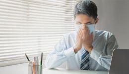 مريض كورونا: إن 'المرض مختلف جدا' عن الإنفلونزا ويكشف ردة فعل جسمه تجاهه!