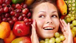 5 أطعمة تساعدك على الظهور بمظهر أصغر عمرا