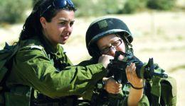 جندية اسرائيلية تتهم وزيرا اسرائيليا بتهديدها