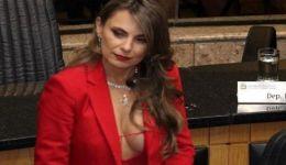 صور: بسبب فستانها المثير.. نائبة برازيلية مهددة بالاغتصاب