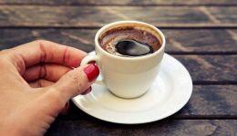 في هذه الحالة عليك التوقف عن تناول القهوة تماما