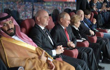 """تركي آل الشيخ أمر بحبس اللاعبين في غرفة الملابس.. تفاصيل ليلة سوداء عاشها المنتخب السعودي عقب الفضيحة """"الخماسية"""""""