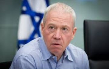 وزير إسرائيلي يزعم: عباس يشعر 'باحباط ' ويسعى لزج 'إسرائيل' في حرب ضد حماس