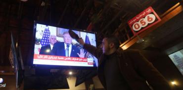 """الفلسطينيون لن يصمتوا على الاهانة التي وجهت لهم.. """"الإندبندنت"""": ترامب لا يفهم شيئا عن الشرق الأوسط"""
