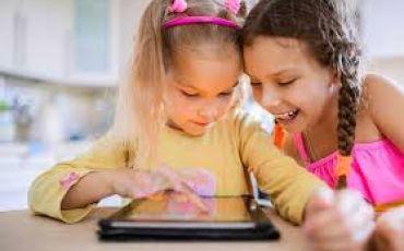 ترشيد استخدام الأطفال والصبيان للأجهزة الرقمية الذكية .... نايف عبوش