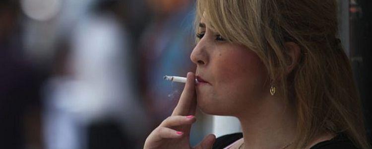 استطلاع.. أكثر من مليون إسرائيلي مُدخِن