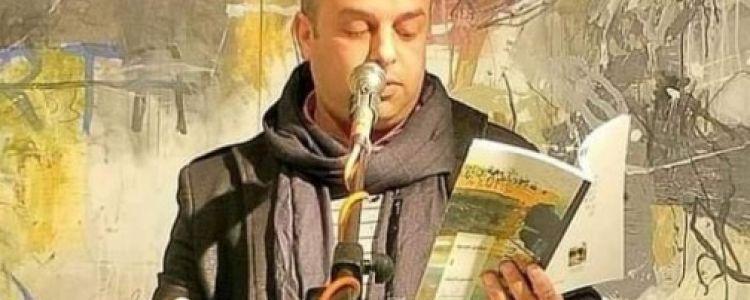 شاعر مغربي يلقى حتفه فجأة على المنصة وسط ذهول الحضور.. صعقه الميكرفون الذى أمسك به ليلقي أشعاره