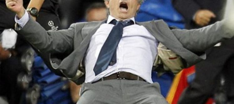 مورينيو يحصد لقب أفضل مدرب بالدوري الإنجليزي