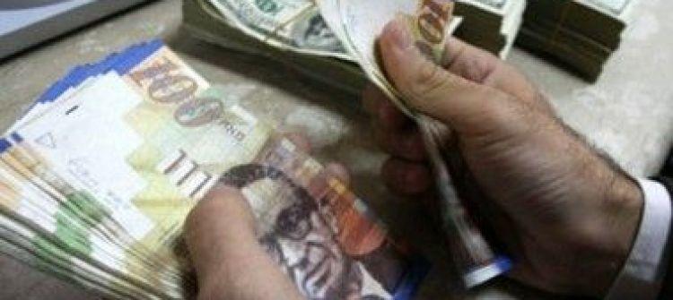 الشيكل يستعد بعضاً من قوته أمام الدولار