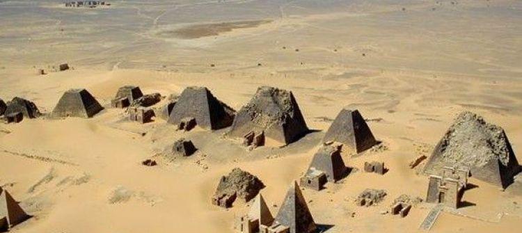 حقيقة عظمة تاريخ مصر .. /محمد عزت الشريف
