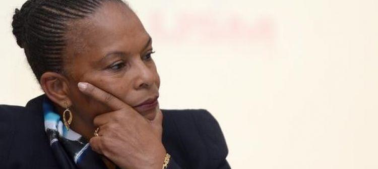 تغريم نائب فرنسي شبه وزيرة سوداء بقرد