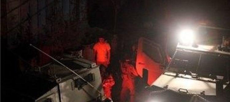 الاحتلال يعتقل خمسة مواطنين في محافظة الخليل