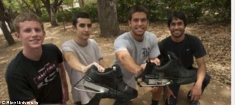 4 طلبة أمريكيين يخترعون