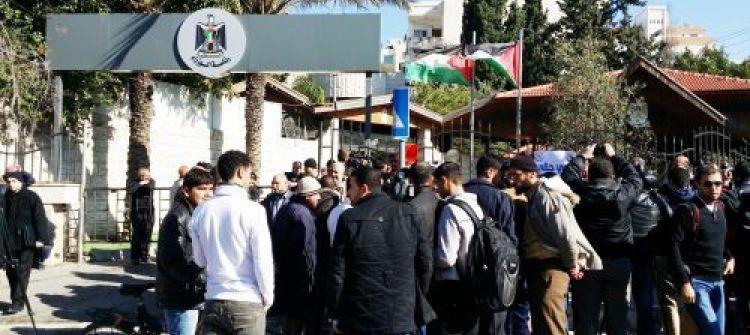امن حماس يمنع الوفد الوزاري من مغادرة مقره