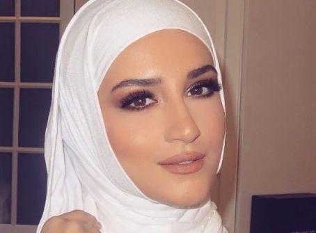 بالصور:تعرفوا إلى كيم كارداشيان المسلمة