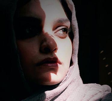 الفنانة شيماء عصمت: غزة والحرب والكائن الأزرق... والزرقاء...بقلم تحسين يقين