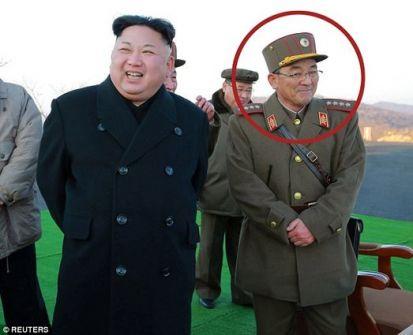 هذا هو الرجل الذي يمكنه أن يطلق شرارة الحرب العالمية الثالثة .. 'تحت يده 60 رأساً نووياً'