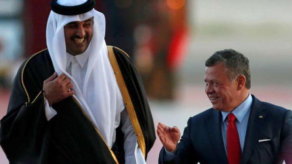 """كاتب قطري: دول بالمنطقة تحاول ابتزاز الأردن لهذا السبب.. والعبث بأمنِ المملكة كمن يطلق النار على قدميه"""""""