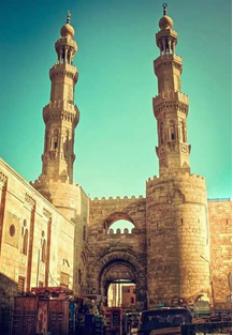 باب زويلة شاهد على العصر....محمد محمود حنفى