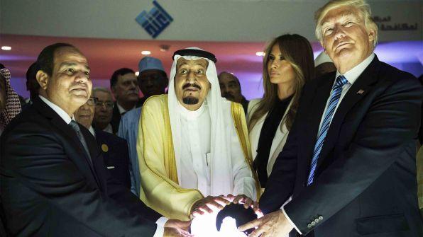 """مستشار """"ترامب"""" المقال يفضح خبايا """"صفقة القرن"""".. غزة لمصر والضفة للأردن!"""