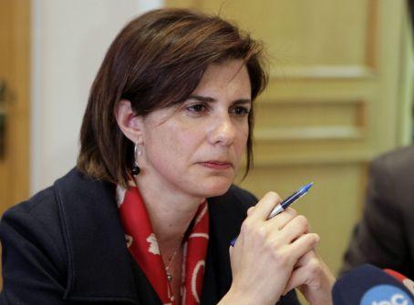 أول سيدة تشغل منصب وزيرة الداخلية في العالم العربي