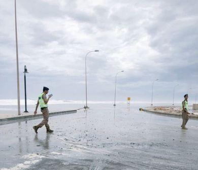 """""""شاهد"""" يحمل أمطاراً غزيرة جداً ستؤدي لفيضانات ورياحاً قوية.. """"ميكونو"""" يتجه نحو عُمان وإطلاق تحذيرات جديدة"""