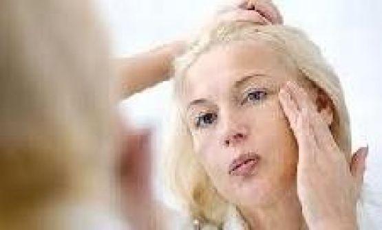 دراسة: المرأة تبدو اكبر سناً يوم الأربعاء