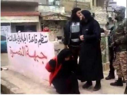 بالفيديو +18 .. «النصرة» تعدم ثاني إمرأة سورية بتهمة «الدعارة» خلال أسبوع