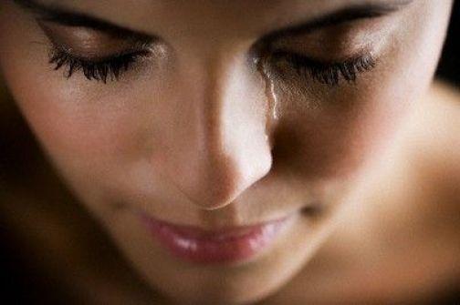 دراسة: المرأة تبكى 46 مرة سنوياً مقابل 17 للرجل