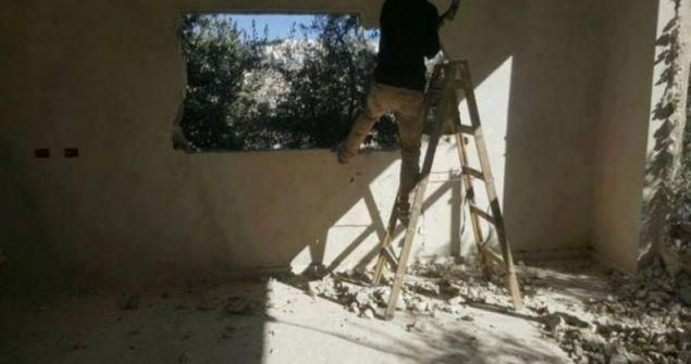 الاحتلال يجبر شقيقين على هدم منزلهما في سلوان
