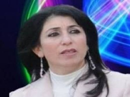 خالد بيّومي يحاور الشاعرة آمال عوّاد رضوان