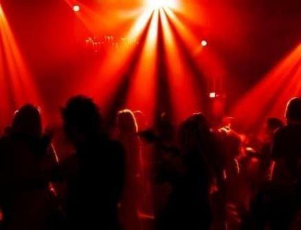 كاهن نرويجي يسرق ملايين الدولارات من أجل الحفلات الماجنة