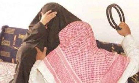 السعودية: نصف المتزوجات يتعرضن للضرب باليد ثم العصا ثم العقال