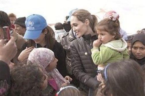 جائزة أوسكار لإنسانية أنجلينا جولي