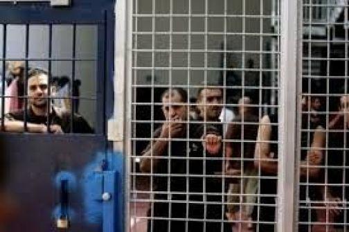 الاحتلال يصدر أوامر اعتقال إداري لـ(16) أسيراً.