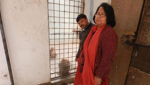زوجان هنديان يهبان كامل ثروتهما.. لقرد