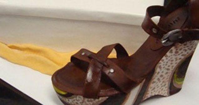 خبازة أمريكية تصنع أحذية