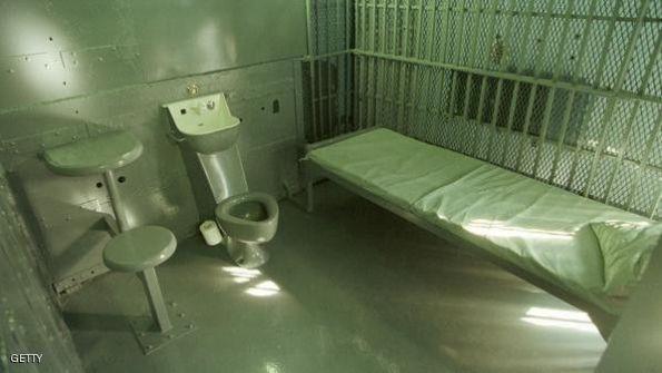 سجين يهرب قبل أسبوع من إطلاقه